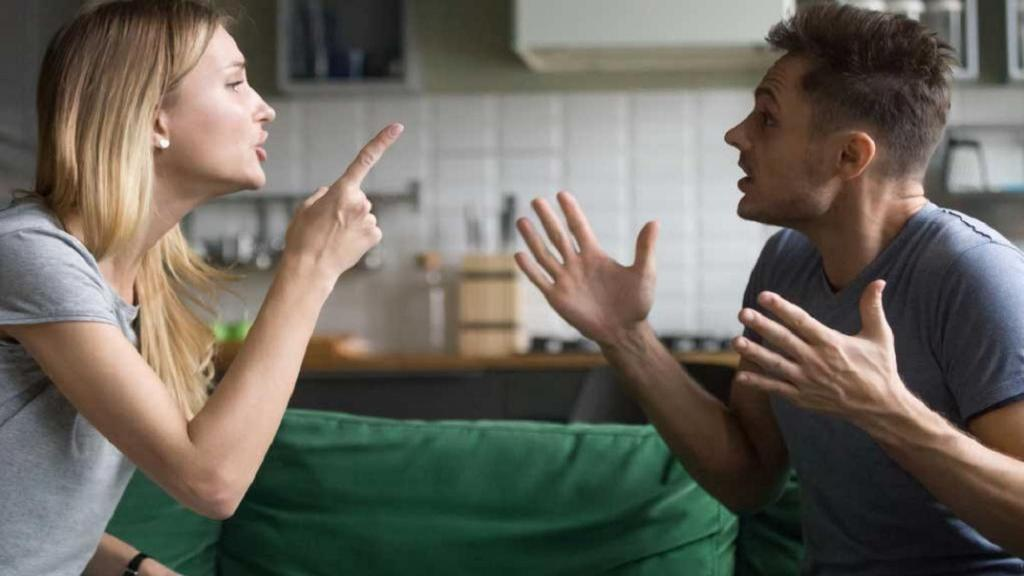 12 کاری که هرگز نباید بعد از دعوا با همسرتان انجام دهید