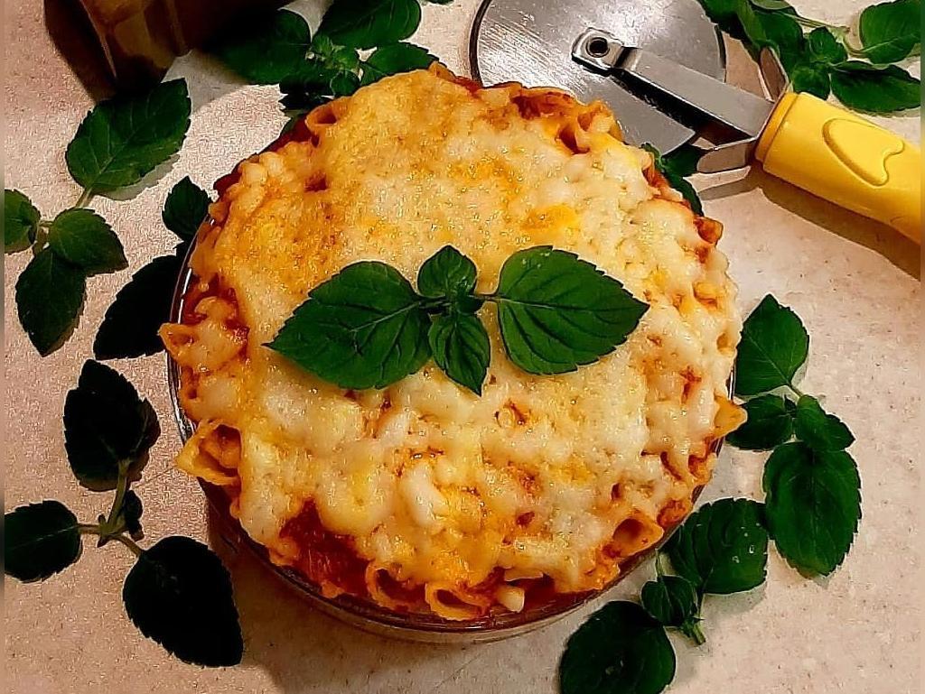 طرز تهیه ماکارانی پنیری با گوشت و قارچ