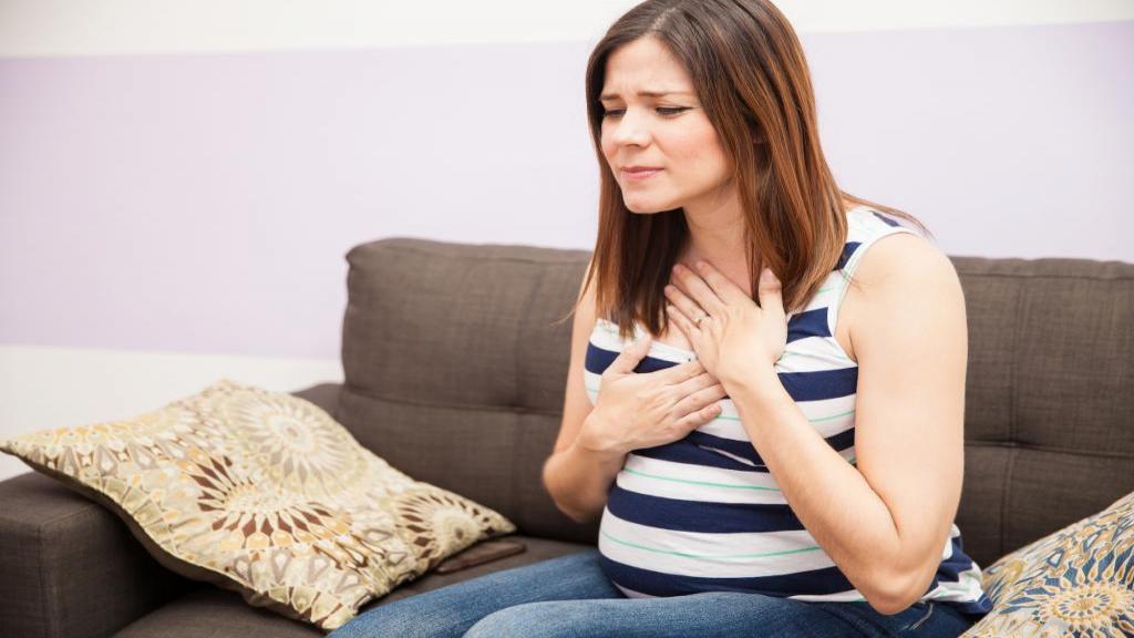 11 درمان مؤثر و قطعی سوزش سر دل (رفلاکس معده) در دوران بارداری