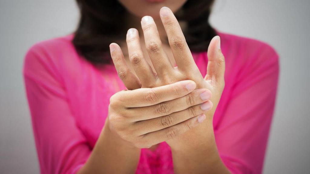 درمان ورم دست در بارداری با 5 درمان طبیعی و خانگی ساده