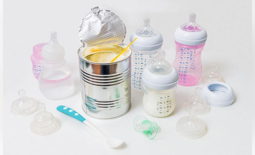 جوانب مثبت و منفی تغذیه با شیر خشک و شیر مادر