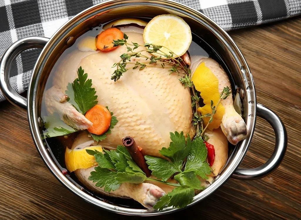 مزه دار کردن مرغ با ساده ترین مواد