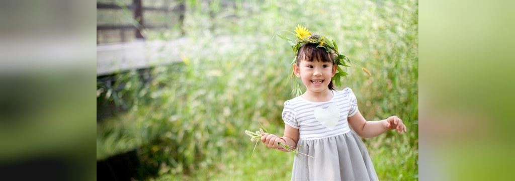 ژست عکس بچه در طبیعت