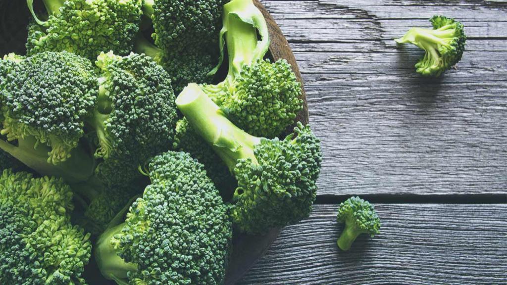 خواص کلم بروکلی برای سلامتی، سرطان و چشم + ارزش تغذیه ای آن