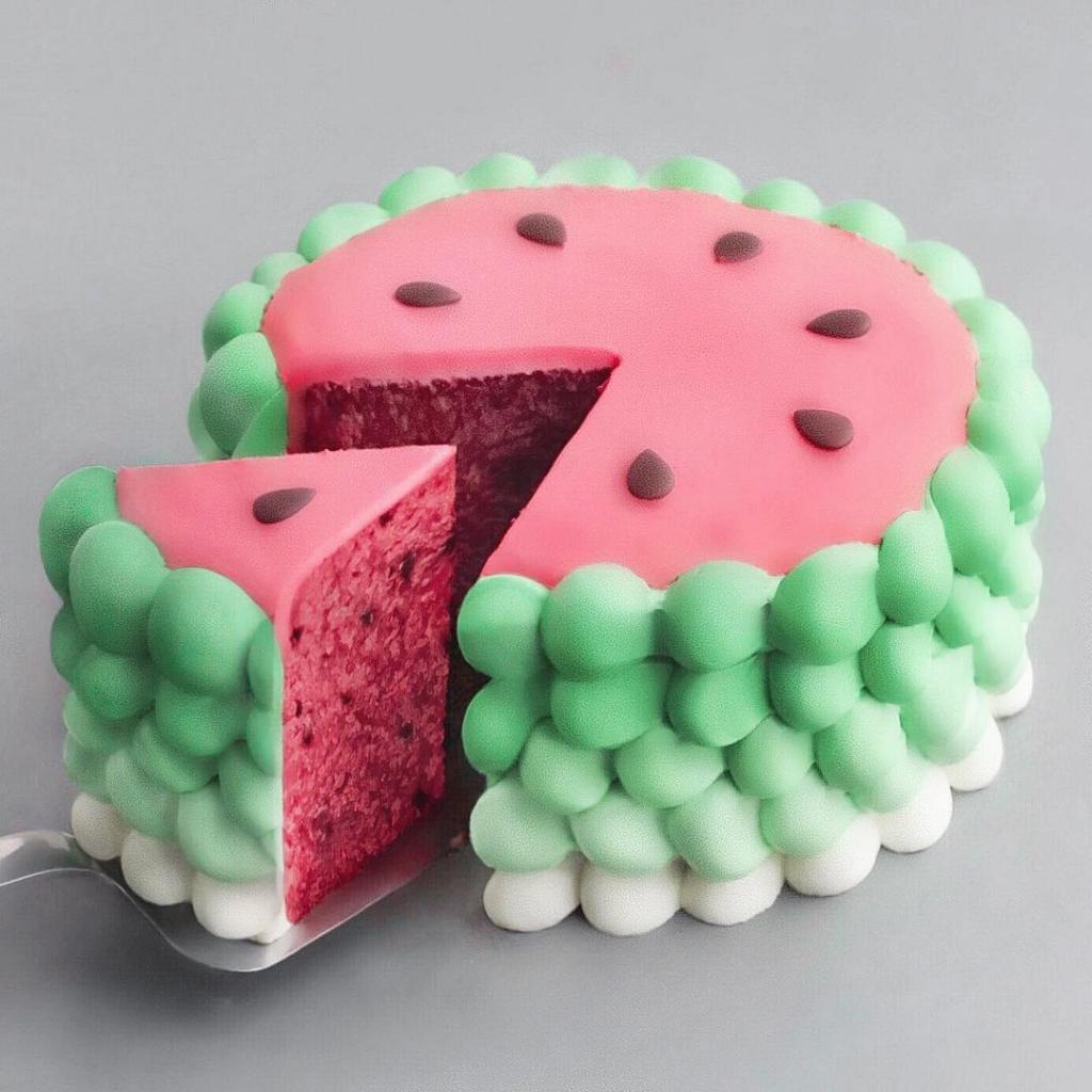 ایده تزیین کیک شب یلدا برای نوزاد