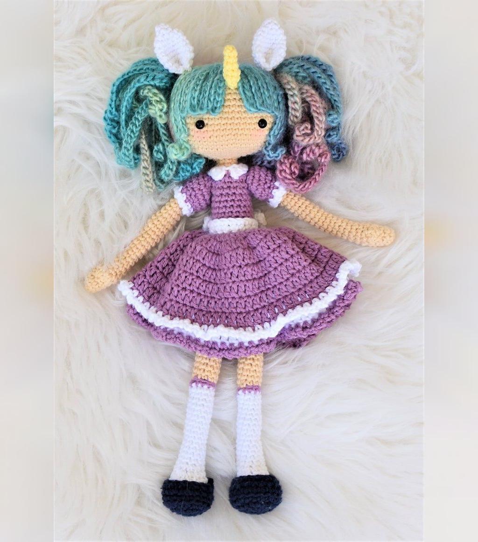 عکس عروسک بافتنی زیبای دخترانه طرح اسب شاخدار