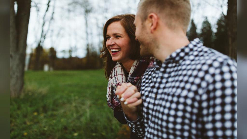 عشق واقعی در برابر عشق ساختگی؛ 20 تفاوت عاشق حقیقی با عاشق ساختگی و دروغین