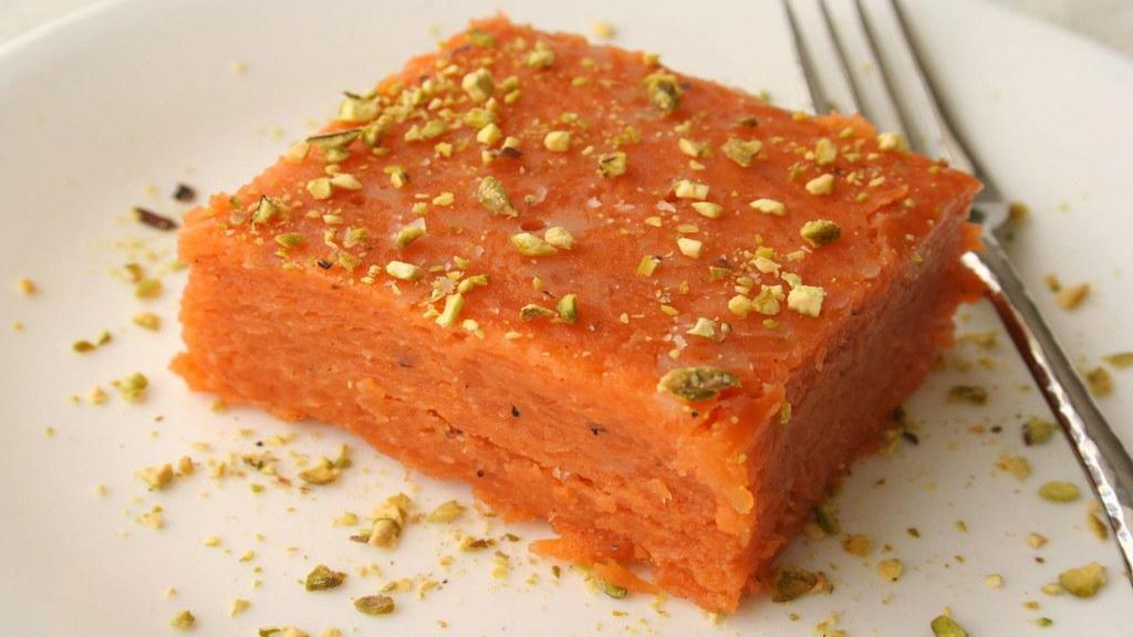 طرز تهیه حلوای هویج زعفرانی خوشمزه و خوش رنگ مجلسی