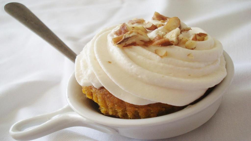 طرز تهیه کرم پاتیسیر خانگی برای تارت و کیک به سبک قنادی
