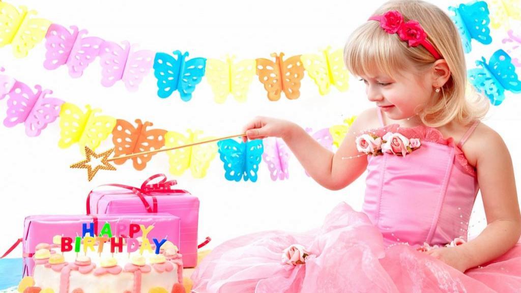 مدل ژست عکس تولد کودک دختر و پسر در خانه و طبیعت