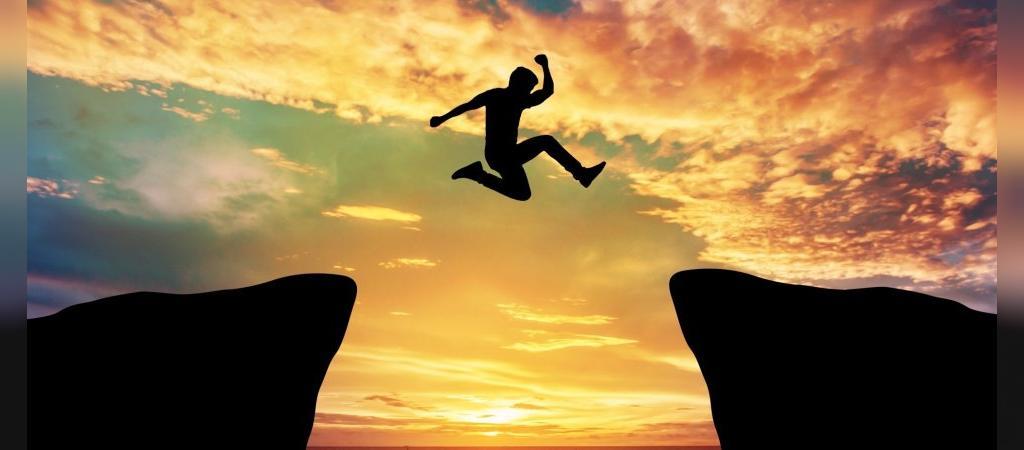به جای تمرکز بر ترس، بر احساسات مثبت پس از انجام آن کار متمرکز شوید.