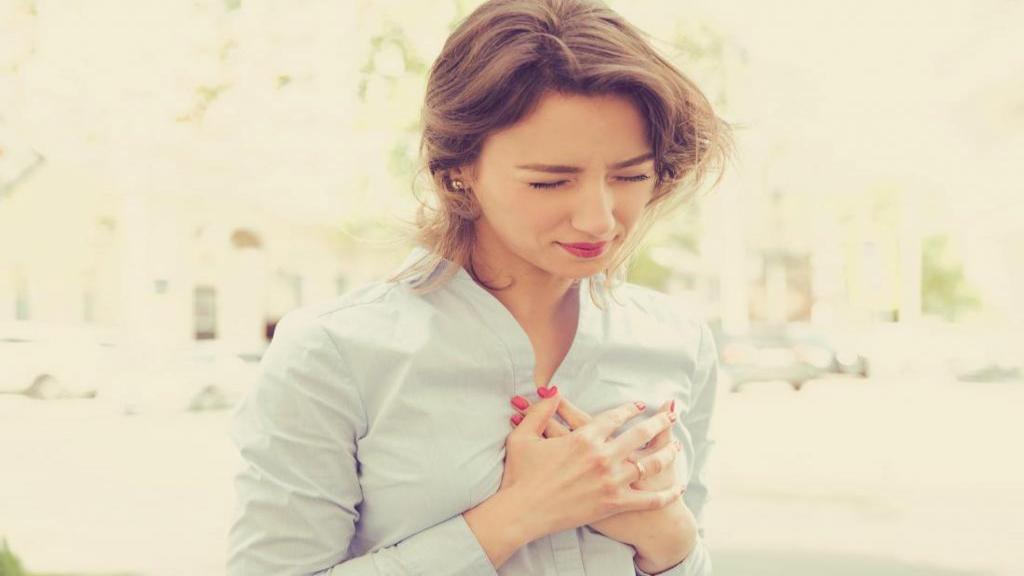 علائم، عوامل خطر و راه های پیشگیری از حمله قلبی در زنان چیست؟