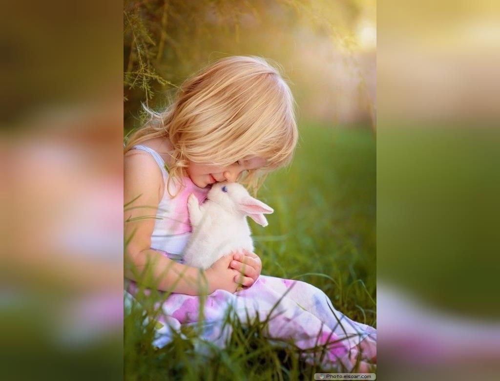 جدیدترین ژست عکس کودک با حیوانات خانگی