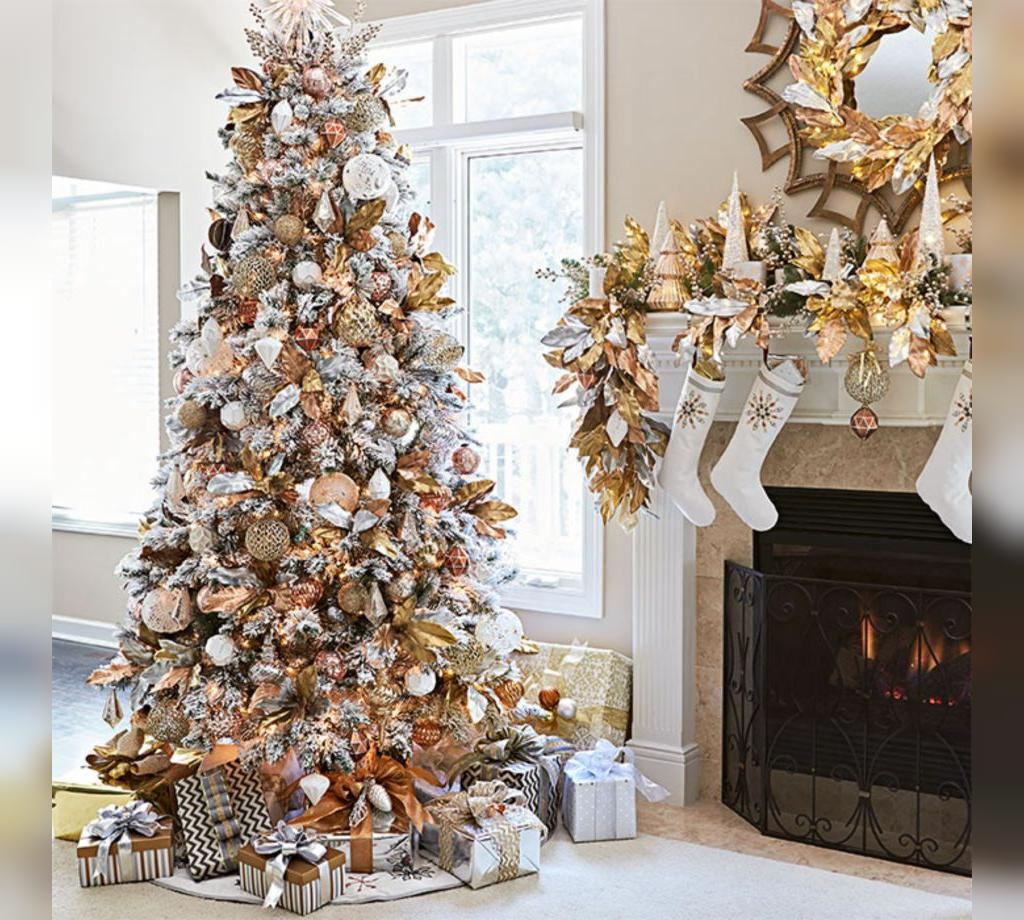 عکس تزیین درخت کریسمس سفید