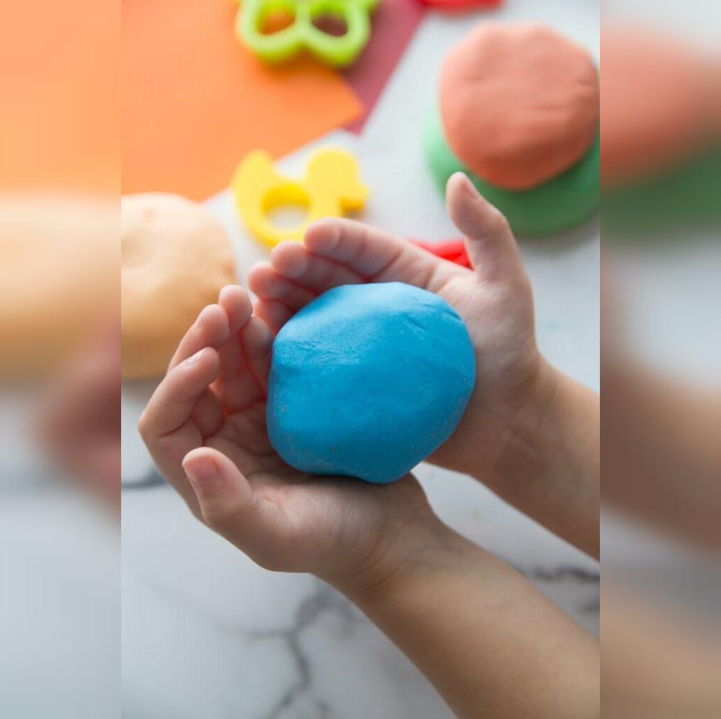 آموزش ساده تهیه خمیر بازی خانگی با نشاسته