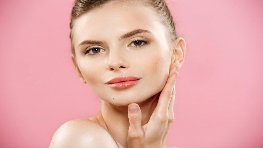 خانمهایی که پوست روشن دوست دارند چگونه باید آرایش کنند؟