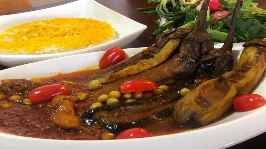 طرز تهیه خورشت بادمجان مجلسی جا افتاده و خوشمزه با گوشت و مرغ