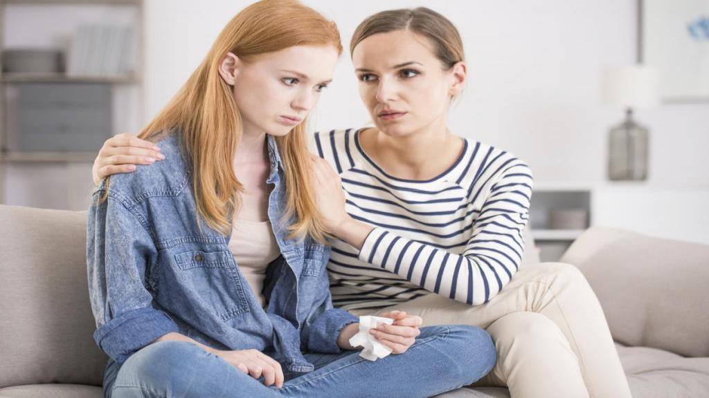 10 نکته کلیدی و مسائلی که والدین باید درباره آنها با دختران نوجوان خود صحبت کنند
