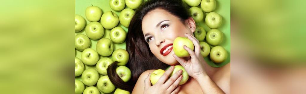 درمان جوش صورت با ماسک سیب