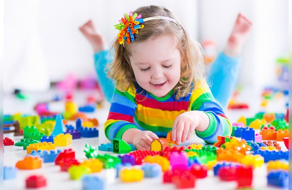 بازی سه فنجان برای تقویت تمرکز کودکان
