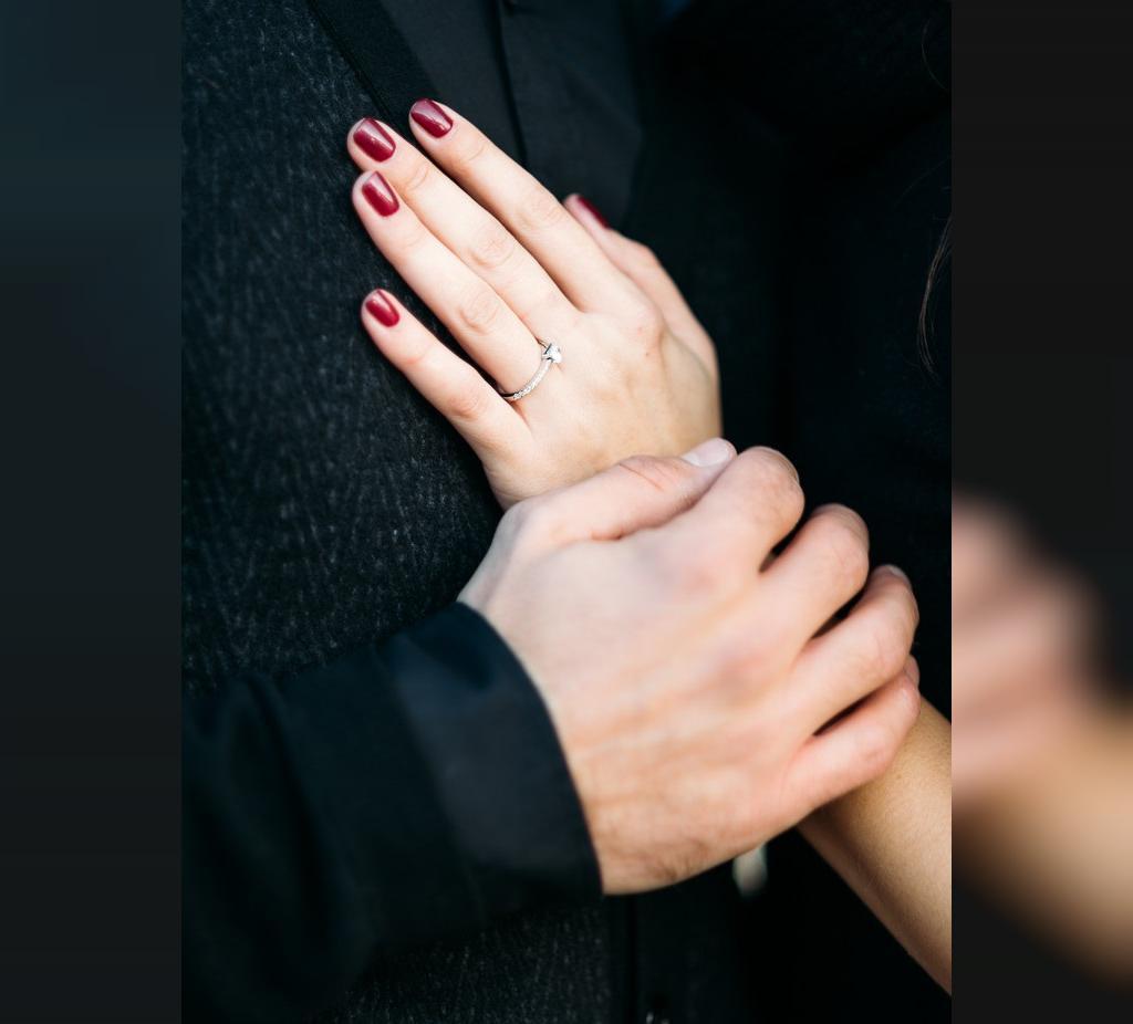 عکس ست دختر و پسر دست در دست برای پروفایل