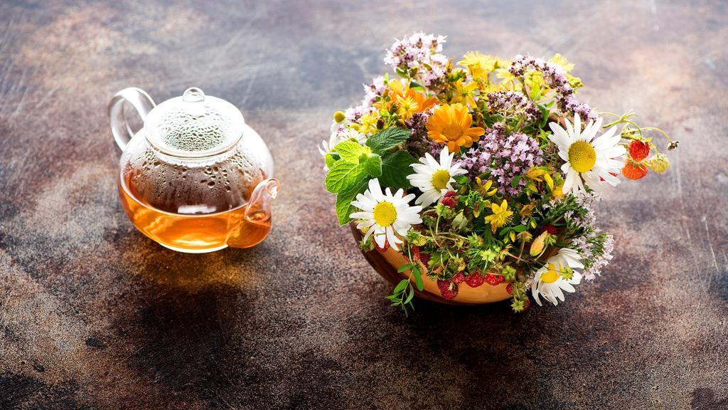 بهترین دمنوش و چای های گیاهی برای رشد مو و جلوگیری از ریزش مو