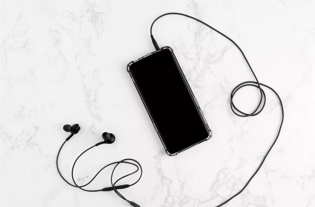 چطور گوش همراه را به روش درست پاک کنیم