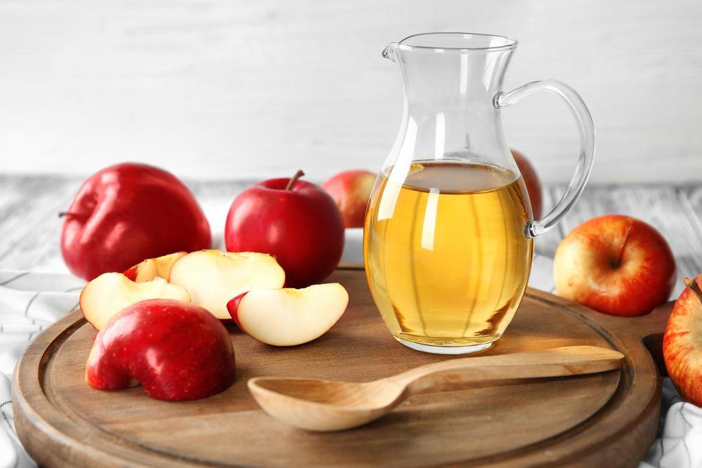 درمان خانگی ورم پا با سرکه سیب