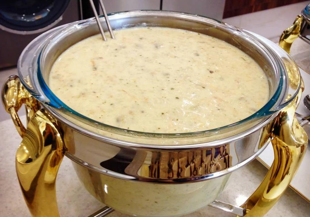 طرز تهیه سوپ جو سفید با شیر به سبک رستورانی