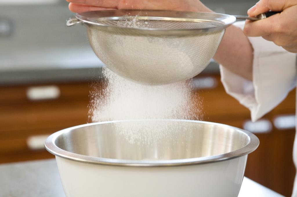 طرز تهیه حلوا زنجبیلی گردویی اصل تیزیز