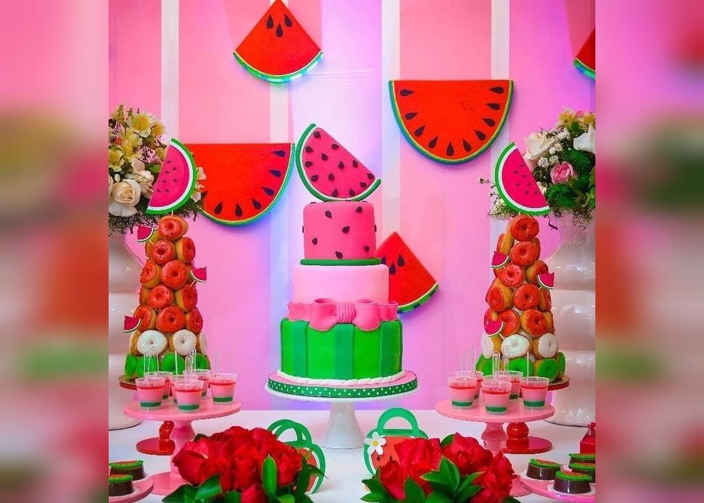 تزیین تولد به مناسبت شب یلدا