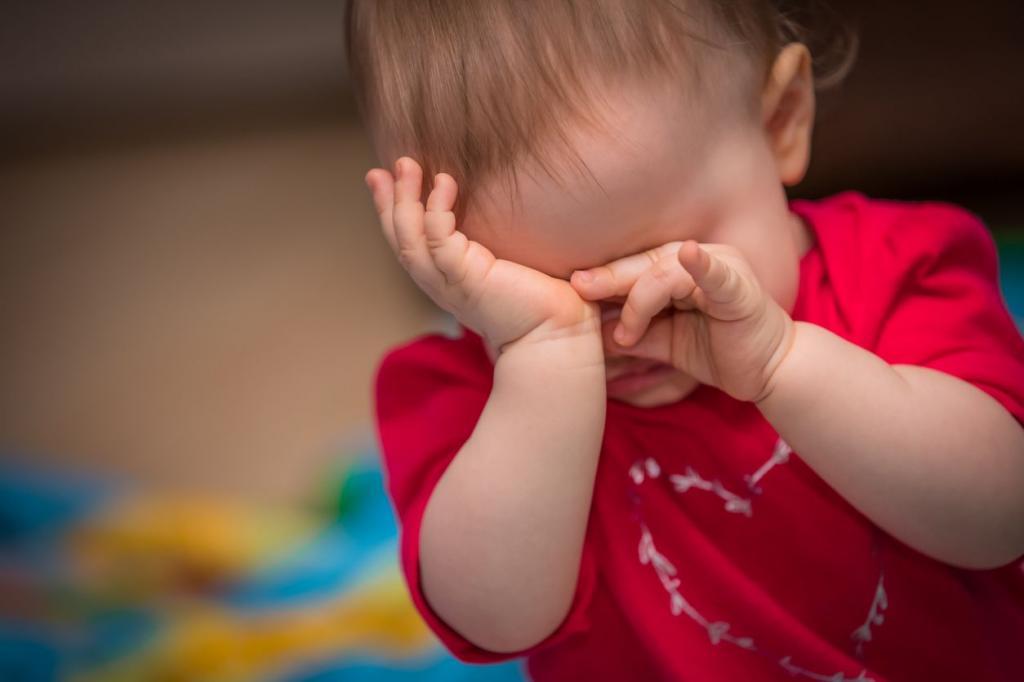 علائم مالش چشم در نوزادان