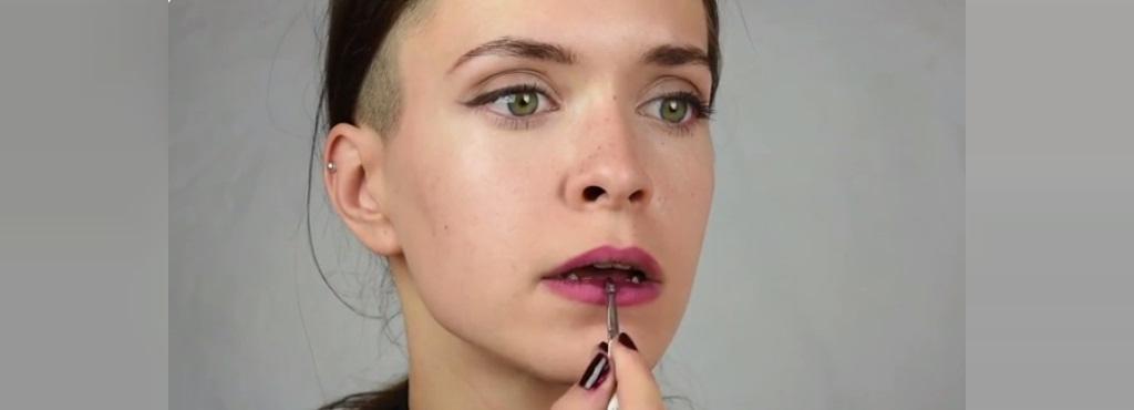 ترفندهای آرایشی برای داشتن لب های برجسته