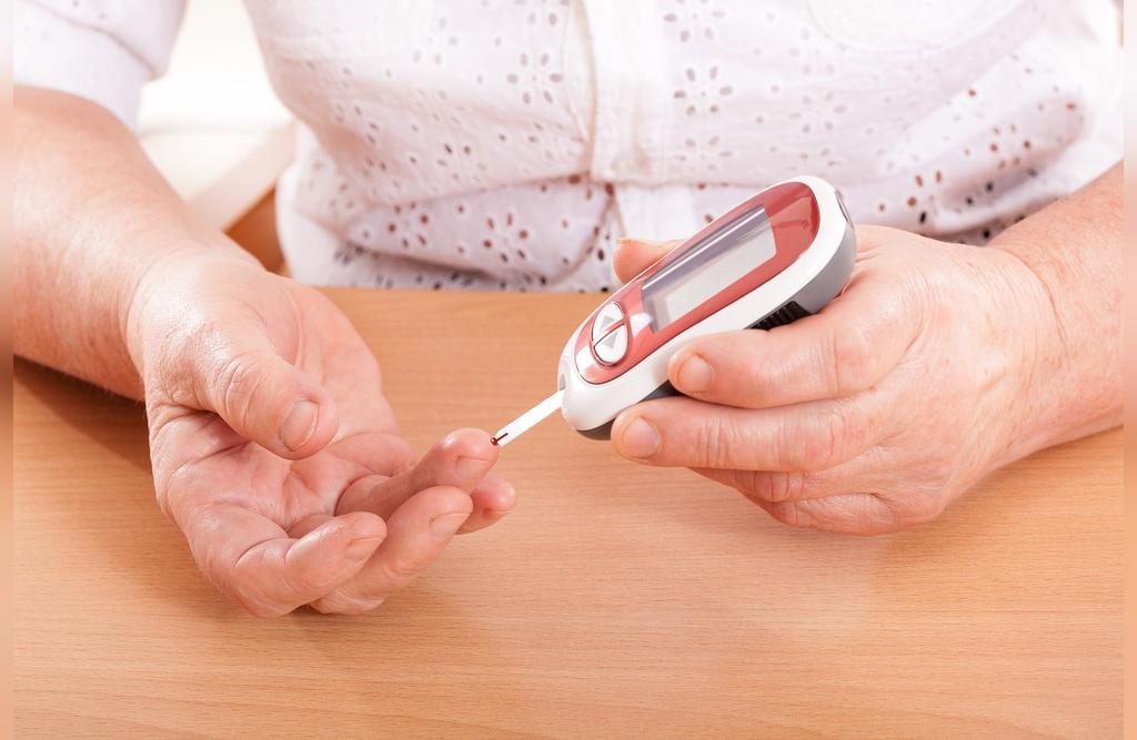 خواص شیره توت سفید و سیاه برای افراد مبتلا به دیابت