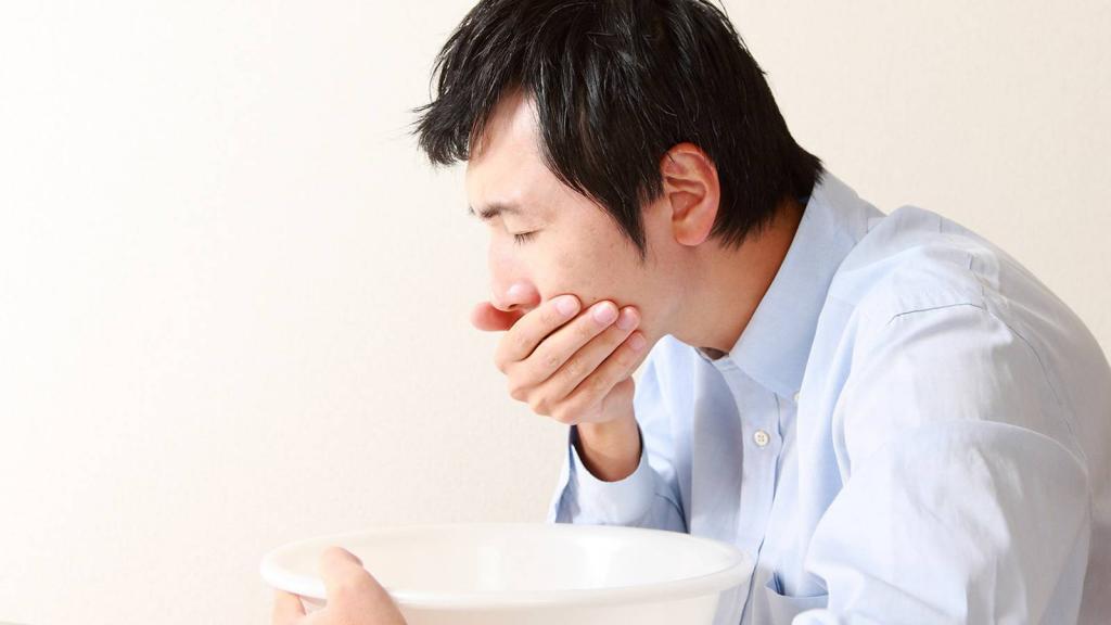 چه زمانی لازم است تا برای نفخ شکم به پزشک مراجعه کنید؟