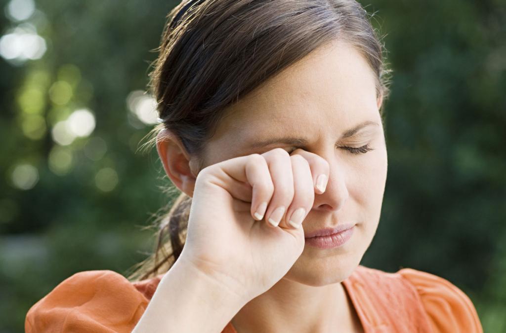 عوارض جانبی قطره یا پماد چشم بتامتازون