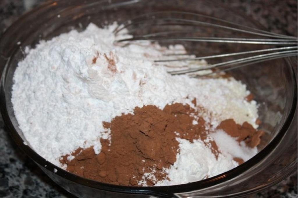 طرز تهیه دنت شکلاتی خانگی به روش اسپانیایی