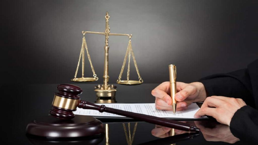 متن تبریک روز وکیل رسمی، عاشقانه و جدید + عکس نوشته