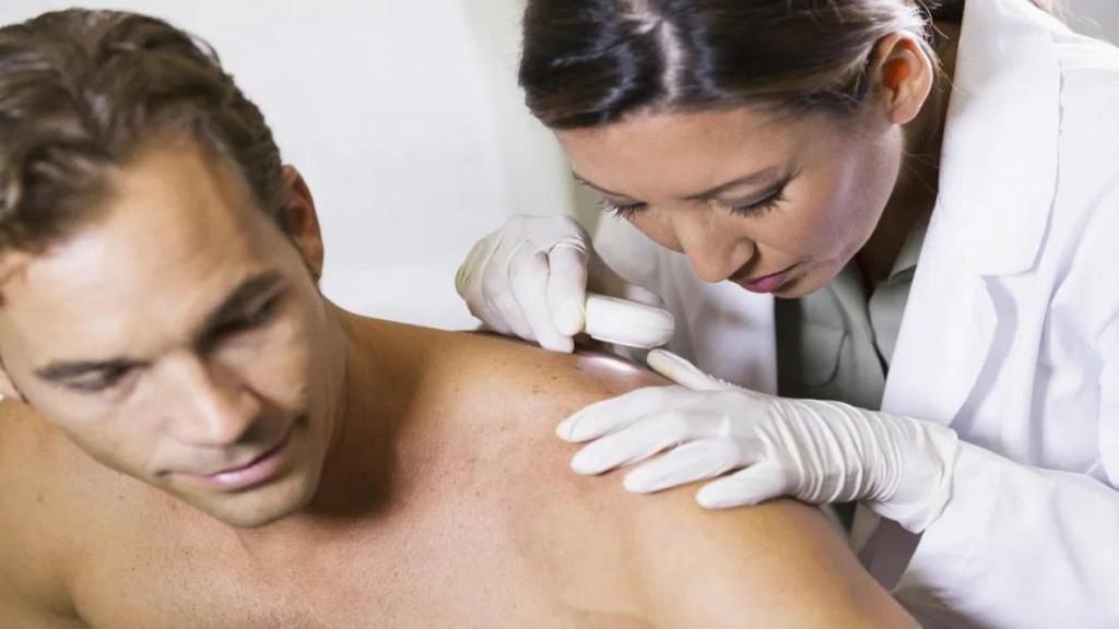 بیماری پمفیگوس چیست ؛ علائم و درمان پمفیگوس فولیکوس