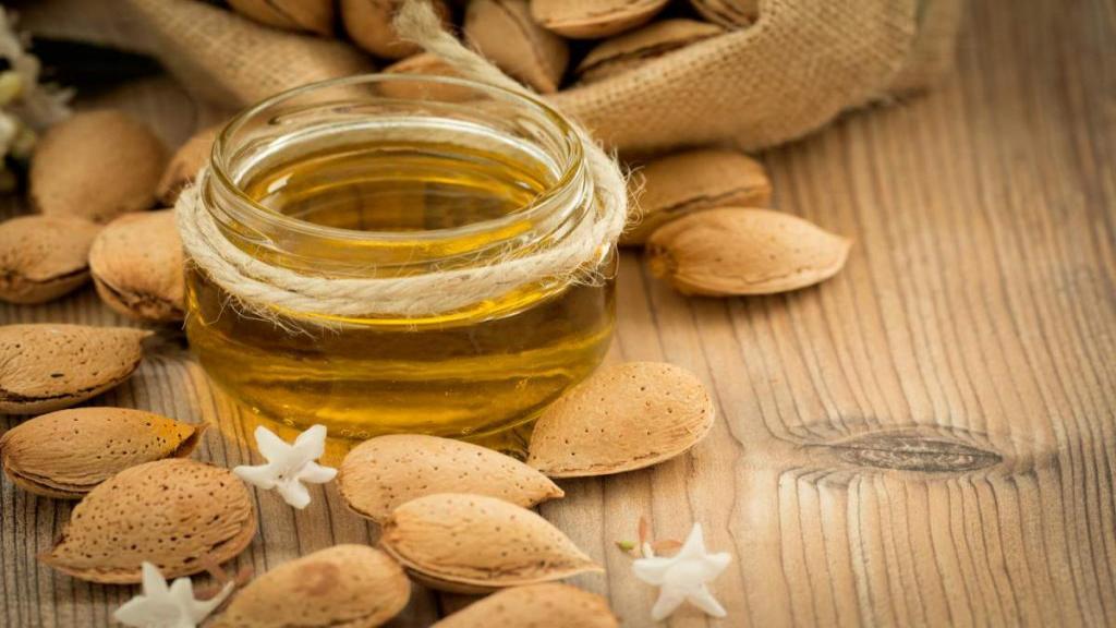 5 خاصیت عالی روغن بادام شیرین برای سلامتی و روش استفاده آن
