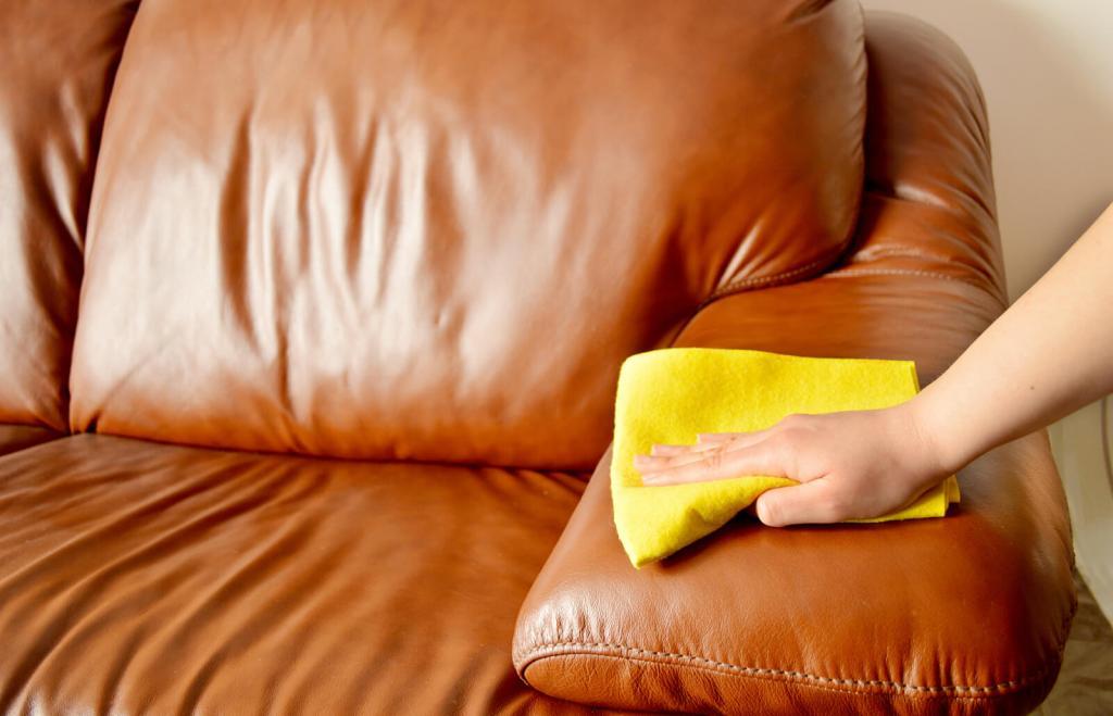 تمیز کردن مبل چرمی با جوش شیرین