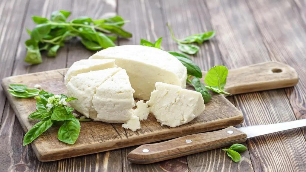 طرز تهیه پنیر خانگی خوشمزه و ساده با ماست و سرکه