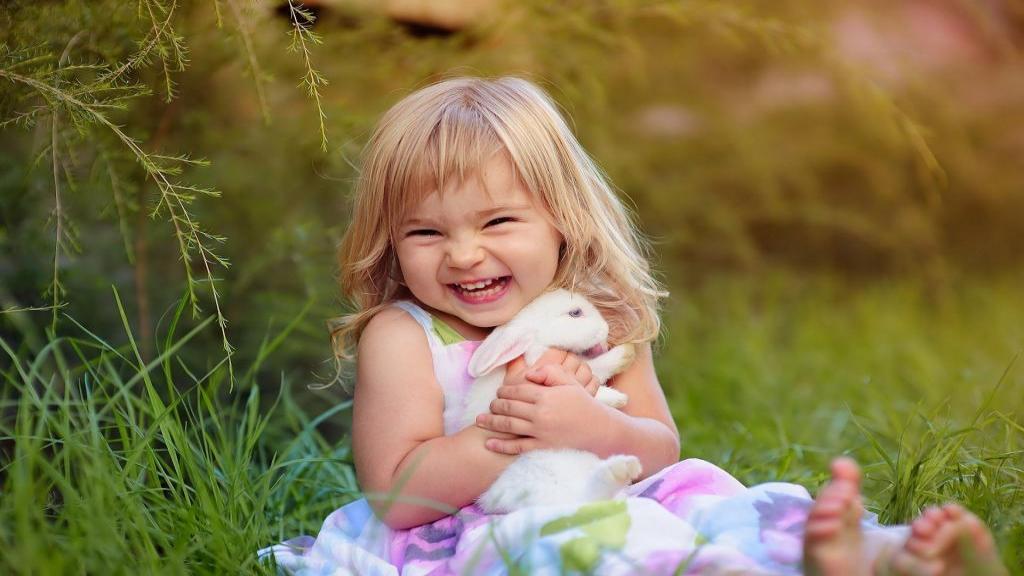 چگونه شاد باشیم: 24 راه برای داشتن زندگی شادتر؛ راه های درمان درد و رنج درونی