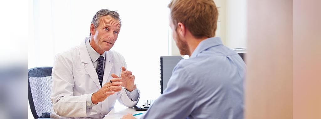 چه زمانی برای معده درد شبانه باید به دکتر مراجعه کرد
