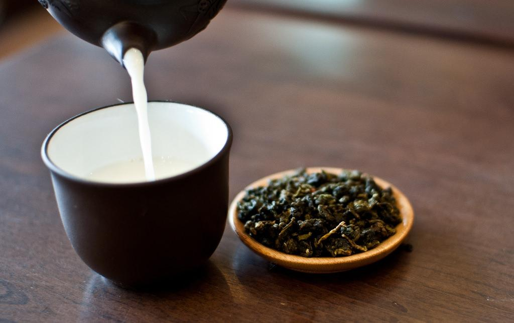 چای اولونگ و شیر برای کاهش وزن
