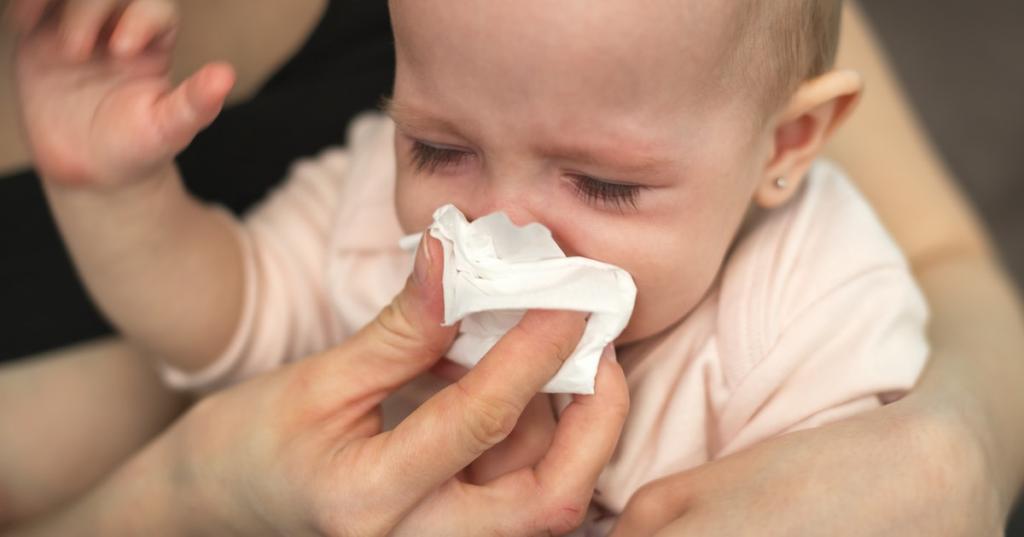 عوامل بروز خروپف و خرناس در نوزادان