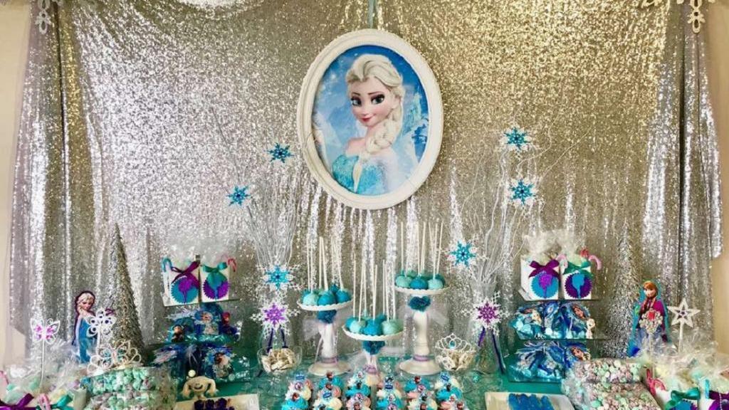 ایده برای تزیین میز تولد دخترانه با تم تولد فروزن (السا)
