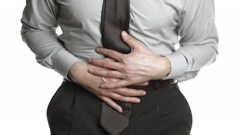 10 درمان خانگی برای انواع دل دردها؛ دردهای شکمی ناشی از سوء هاضمه، نفخ و اسید معده