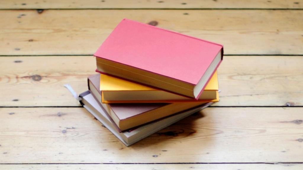 بهترین رمان ها و پرفروش ترین کتاب های جهان مناسب اوقات فراغت