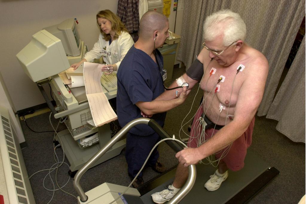 تست استرس ورزش از راه های تشخیص فشار خون بالا